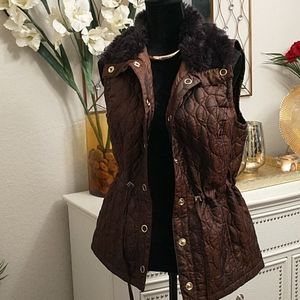 Puffer Vest with fur